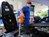 Giá xăng tiếp tục tăng mạnh từ 15h chiều nay (26/1)