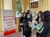 SonTin's Group tiếp tục phát khẩu trang miễn phí tại chùa Tảo Sách và phủ Tây Hồ