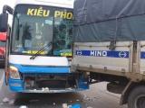 Tiền Giang: 5 ôtô tông liên hoàn trên quốc lộ 1