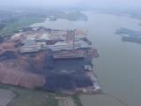 Quảng Ninh: Doanh nghiệp ngang nhiên vận chuyển than xít xuống tàu thủy?