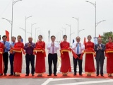 Thủ tướng Nguyễn Xuân Phúc cắt băng khánh thành cầu Cửa Hội nối Nghệ An - Hà Tĩnh