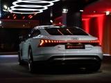 Audi E-Tron GT 2022 trình làng với giá từ 4,77 tỷ đồng