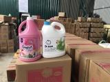 Hà Nội: Phát hiện cơ sở sản xuất nước giặt giả mạo nhãn hiệu D-nee, Comfort