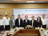 Hội nghị bàn giao nhiệm vụ Bộ trưởng Bộ Giáo dục và Đào tạo