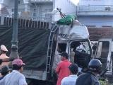 Phú Yên: Xe tải tông 5 ô tô đang chờ đèn đỏ