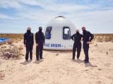 Công ty tên lửa Blue Origin bắt đầu mở bán vé du lịch vũ trụ