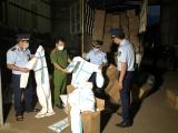 Lào Cai: Phát hiện 8.310 bộ quần áo phòng chống dịch nhập lậu