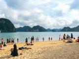 Từ 12h ngày 19/9, các bãi tắm tại TP Hạ Long được phép hoạt động