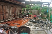 Hà Tĩnh: Lốc xoáy khiến nhiều nhà dân bị tốc mái