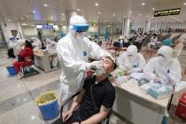 Cách ly 39 người tiếp xúc gần chuyên gia Hàn Quốc mắc COVID-19