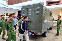 Bắc Ninh: Giám đốc cầm súng doạ bắn người lĩnh án 18 tháng tù