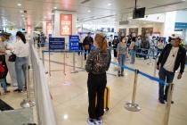 Hà Nội điều tra dịch tễ nhân viên sân bay nghi nhiễm COVID-19