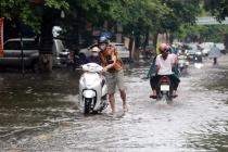 Bão số 6 đổ bộ gây mưa lớn tại các tỉnh miền Trung