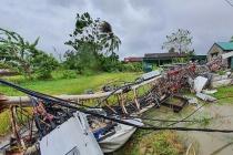 Bão số 5 gây thiệt hại nghiêm trọng cho nhiều tỉnh trên cả nước