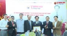 Lễ trao Kỷ niệm chương 'Vì sự nghiệp báo chí Việt Nam' cho TS.Nhà báo Lê Ngọc Dũng và chúc mừng ngày Phụ nữ Việt Nam 20/10.