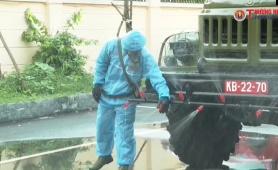 Quân khu 2 hỗ trợ Vĩnh Phúc phun khử khuẩn và chuẩn bị cơ sở cách ly
