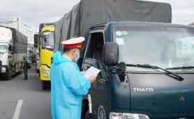TP.HCM không cấp thẻ xanh cho phương tiện đến 19 tỉnh đang giãn cách