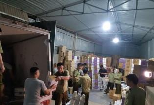 Hà Nội: Thu giữ hàng nghìn chai sữa không rõ nguồn gốc tại xã La Phù