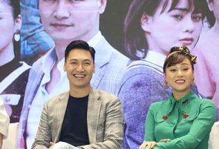 Đạo diễn 'Về nhà đi con' hứa hẹn gây bão với phim mới 'Hương vị tình thân'