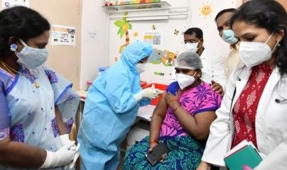 Ấn Độ chính thức phân phối lô vaccine ngừa Covid-19 đầu tiên