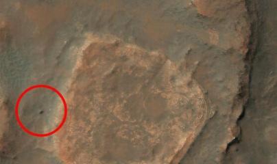 Tàu thám hiểm Spirit của NASA bị chôn vùi trên sao Hỏa