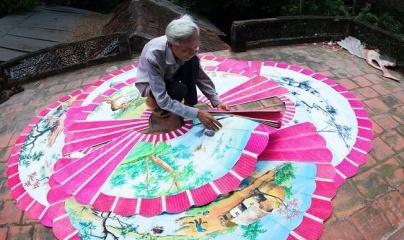 Quảng Trị: Bình dị và độc đáo nghề làm quạt giấy Phương Ngạn
