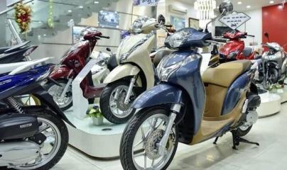 Dịch bệnh khiến doanh số bán xe máy ở Việt Nam giảm gần 46%