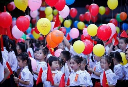 Học sinh Hà Nội được nghỉ tối đa 4 ngày trong dịp lễ 30/4 và 1/5