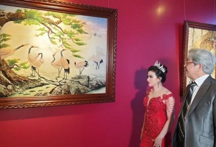 """Nghệ nhân Quốc gia Đào Trọng Cường – Người """"thổi hồn"""" cho tranh đá quý"""