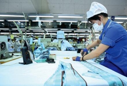 ADB hạ dự báo tăng trưởng GDP Việt Nam còn 3,8% trong năm 2021