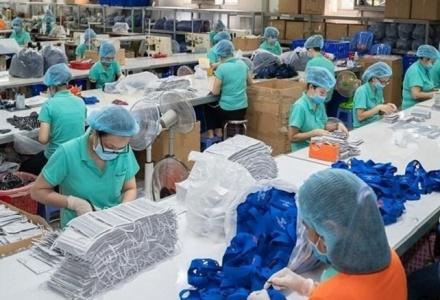 VCCI kiến nghị ngừng tạm nhập, tái xuất khẩu trang và găng tay y tế