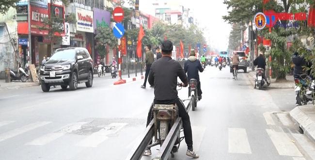 Hà Nội: Nguy hại từ những chiếc xe tự chế để vận chuyển hàng hóa