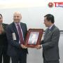 Hội hữu nghị Italia - Việt Nam trao tặng 2 ấn phẩm đặc biệt cho Bảo tàng Hồ Chí Minh